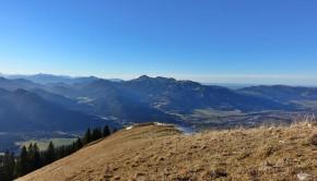 Der Schönberg, dahinter Brauneck & Benediktenwand